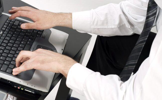 Otwarte-przestrzenie-biura-wplywaja-na-efektywnosc-pracy